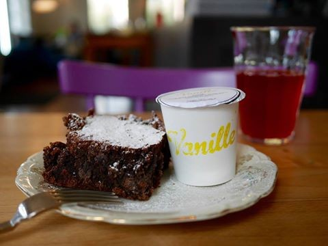 leckere SCHOKO-BROWNIES…​