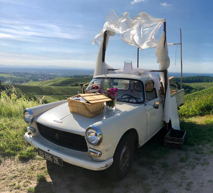 Peugeot 404 Picknick for Lovers